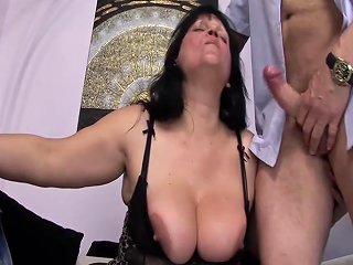 BBW Moms First Double Penetration Porn Videos
